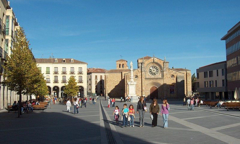Tour de día completo de Ávila y Segovia desde Madrid
