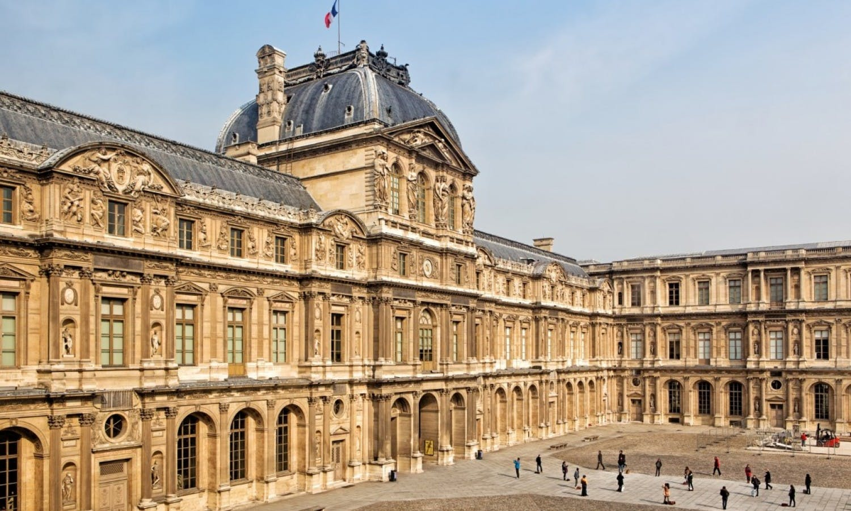Hidden treasures of Paris: Walking Guided Tour from Palais Royal to Opera Garnier