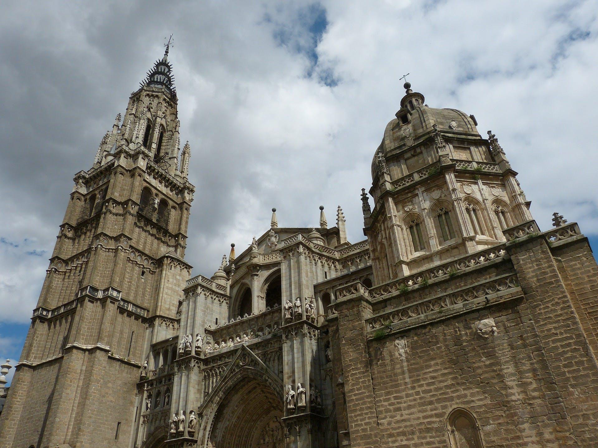 Segovia y Toledo tour de día completo desde Madrid con exclusivo acceso Catedral-2