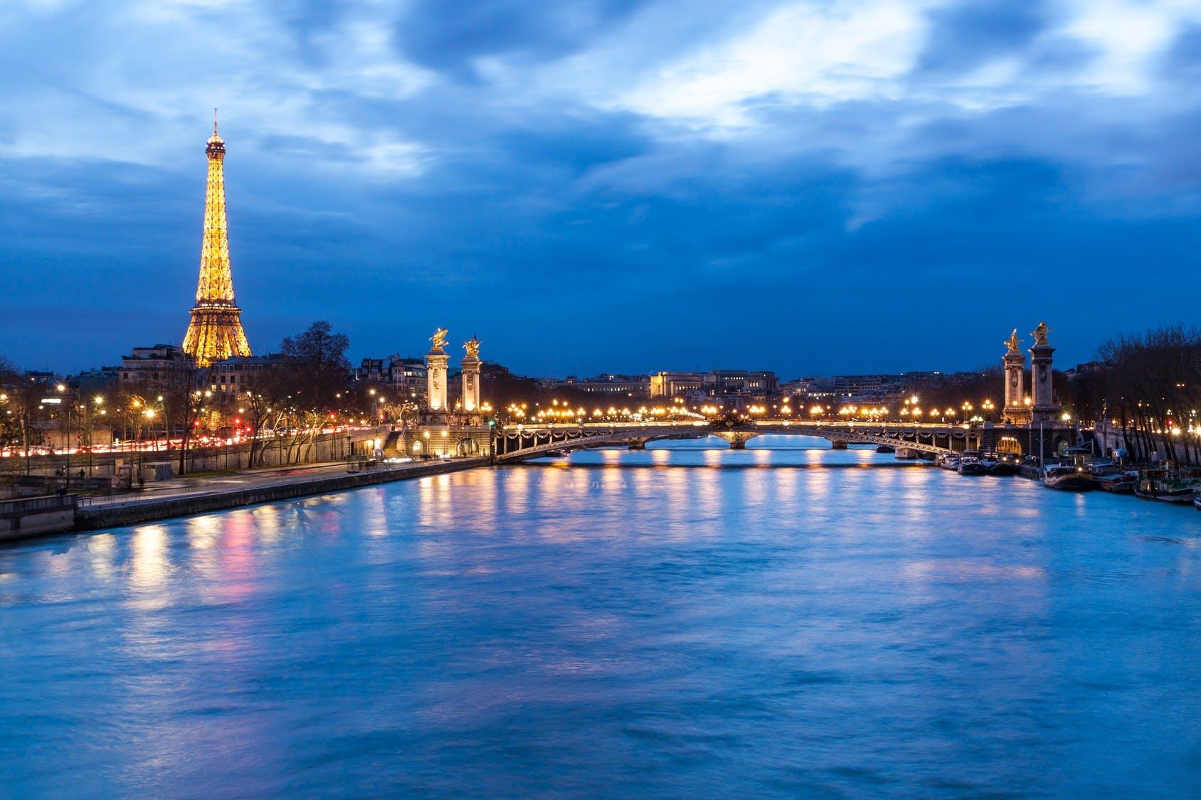 seine de nuit tour eiffel pont alex3.jpg