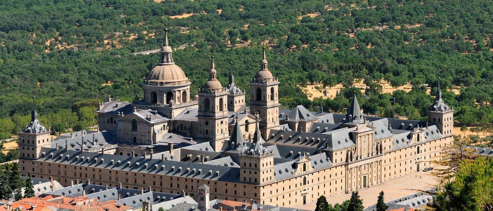 Escorial y Valle de los caído medio día Tour y Madrid segway tour-0