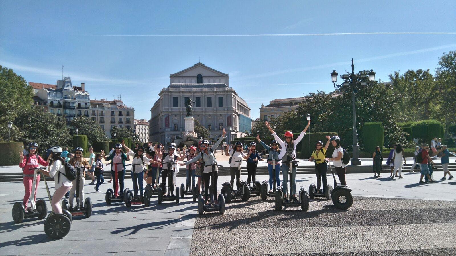 Escorial y Valle de los caído medio día Tour y Madrid segway tour-3