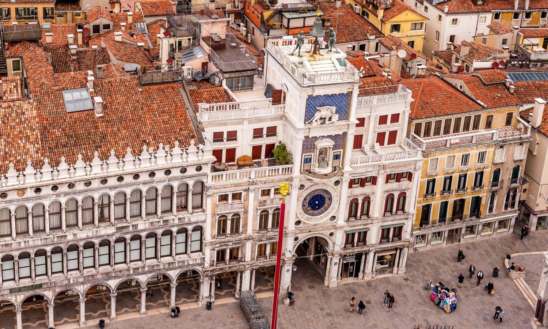 piazza san marco con torre dell'orologio_Venezia_Fotolia.jpg
