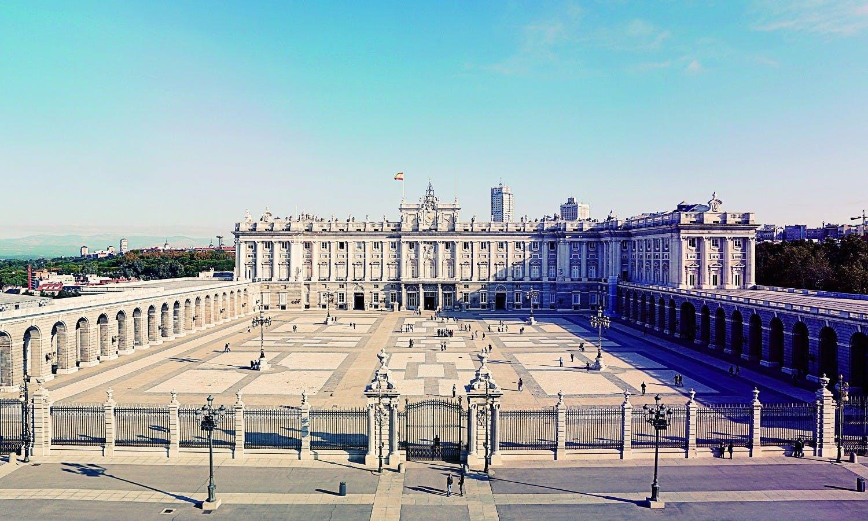 Madrid Austrias a pie Tour y Palacio Real-1