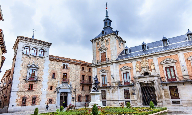 Plaza de la Villa Madrid 1.jpg