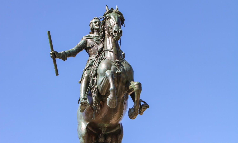Monumento de Felipe IV en Madrid.jpg