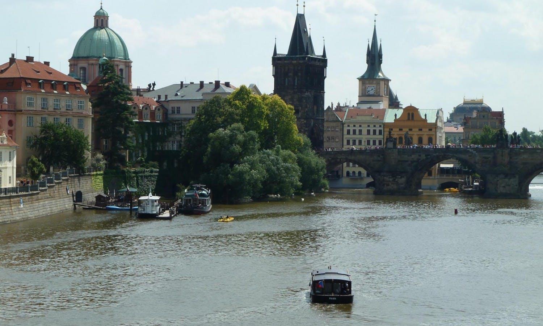 Excursión de día completo Praga y crucero por el río lunch5.jpg