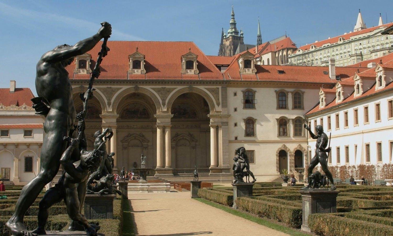 Excursión de día completo Praga y crucero por el río lunch6.jpg