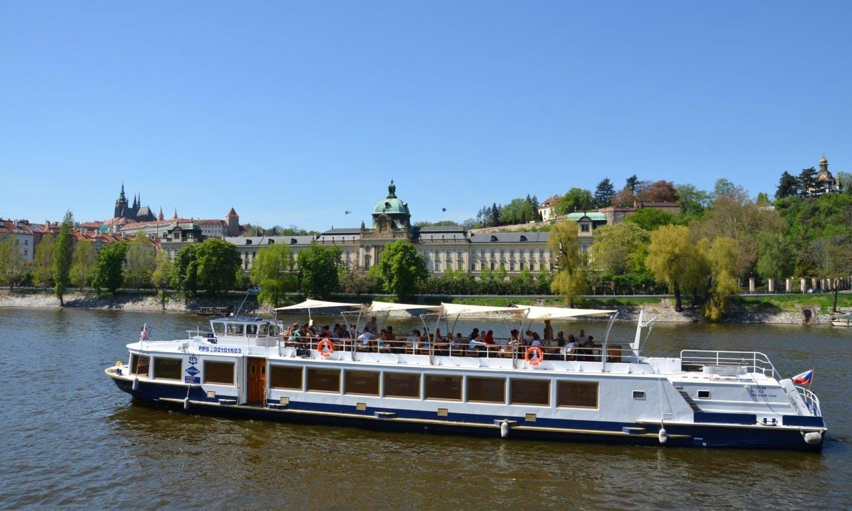 Almuerzo en barco en Praga con el recojo del hotel y guide3.jpg