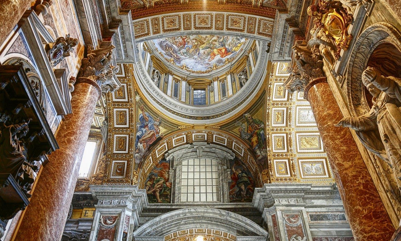 Interior de Basilica@wajan_Fotolia_30076843_M.jpg San Pedro