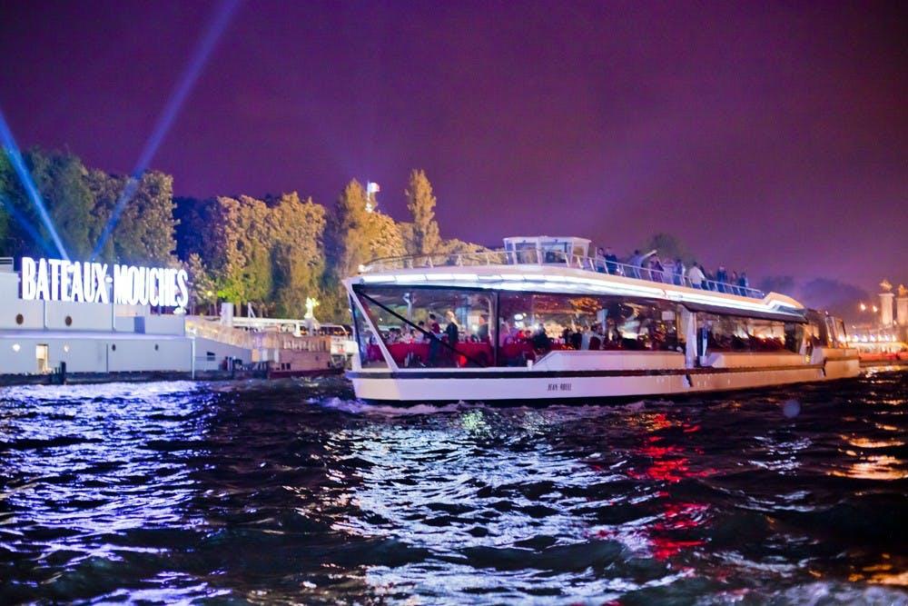 Prestige dinner cruise on the Seine-1