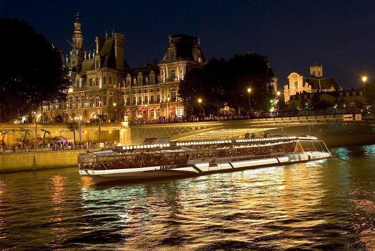 Prestige dinner cruise on the Seine-4