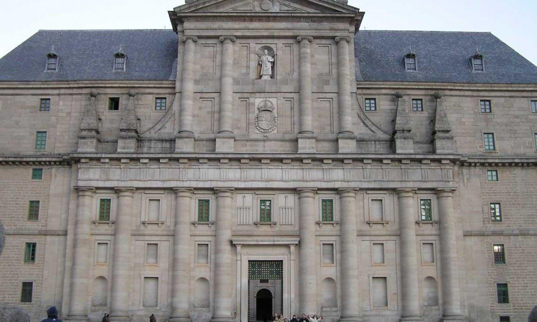 El Real Monasterio de El Escorial y Toledo: Tour desde Madrid