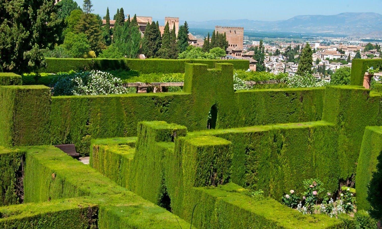 Alhambra-Parque-Granada-Spain.jpg