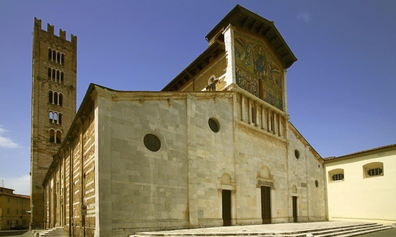 Pisa y Lucca: visita guiada con degustación de Buccellato