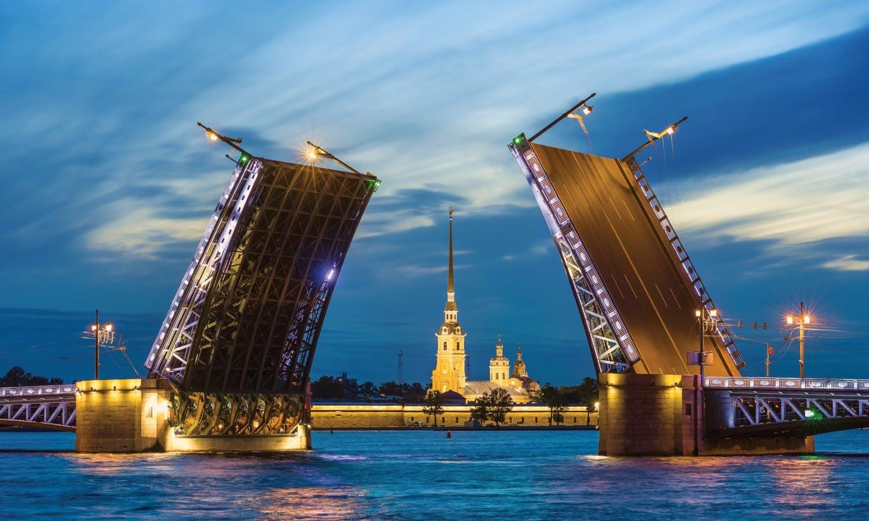 San Petersburgo la noche canal cruise1.jpg