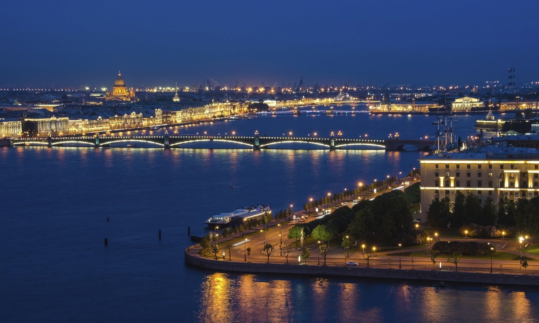 San Petersburgo la noche canal cruise3.jpg