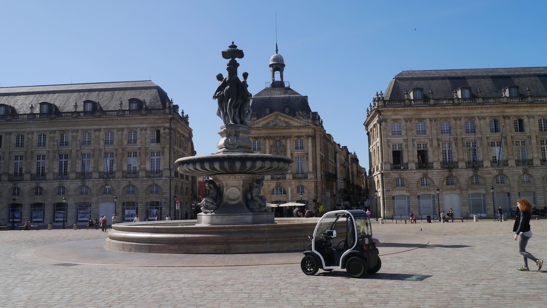 Tour por la ciudad extensa guía Bordeaux en un vehículo eléctrico-5