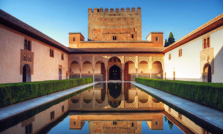 Guiada de la Alhambra de Granada desde Málaga-1