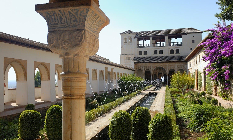 Guiada de la Alhambra de Granada desde Málaga-4