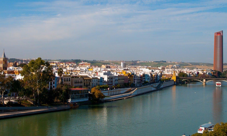 Vista panorámica Triana y Seville.jpg