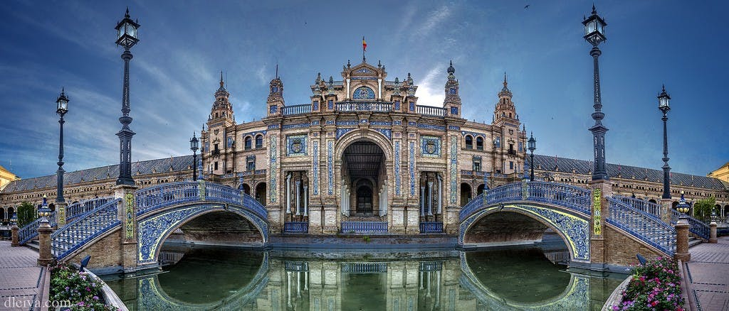 Paseo privado en centro de la ciudad de Sevilla-3