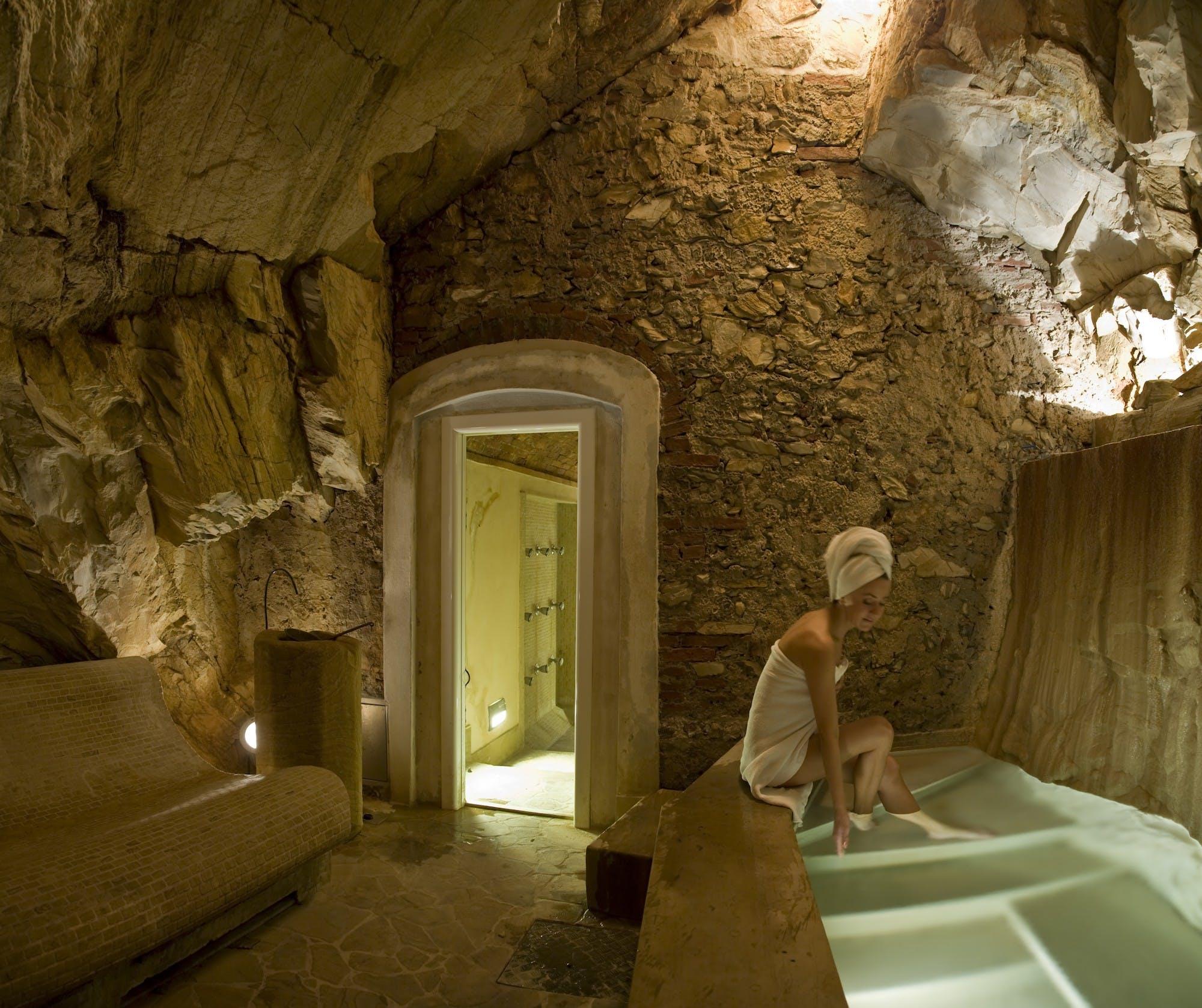 Grotto.jpg Natural de Bagni di Pisa_Natural Spa_The gran duque
